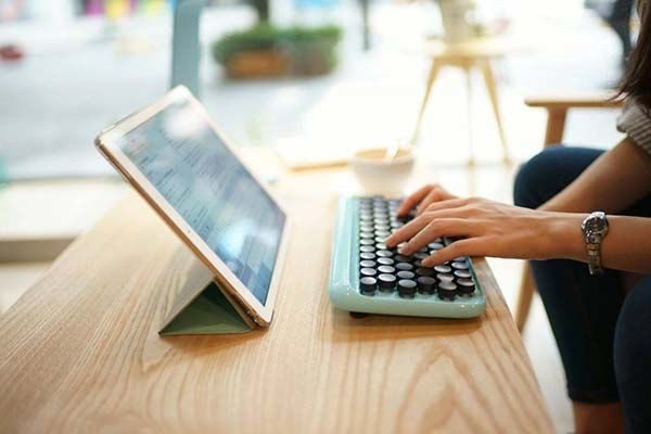 Bàn phím có thể kết nối với iPad