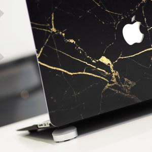 Case macbook đen vân đá